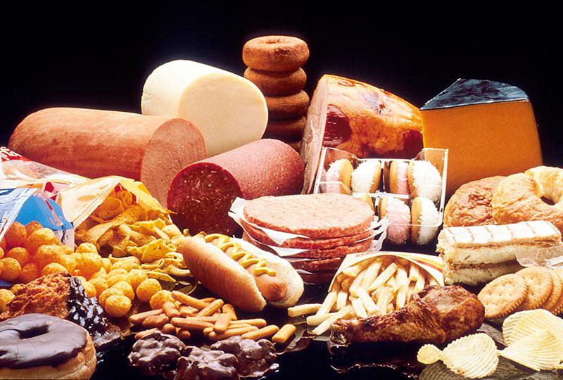 Dieta e alimenti consigliati per abbassare il colesterolo